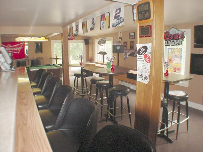 Interior Bar (photo 4)