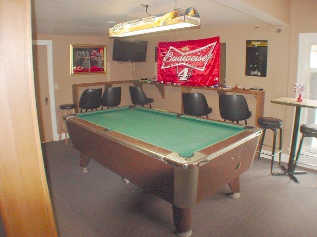 Pool Table (photo 5)