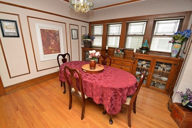 Lower Dining Room (photo 3)