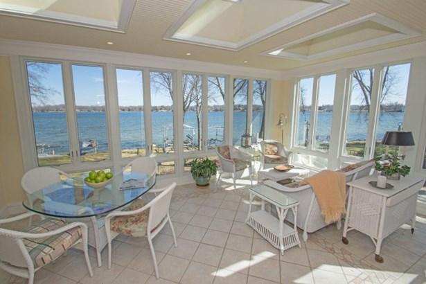Sun Room with Lake Views (photo 4)
