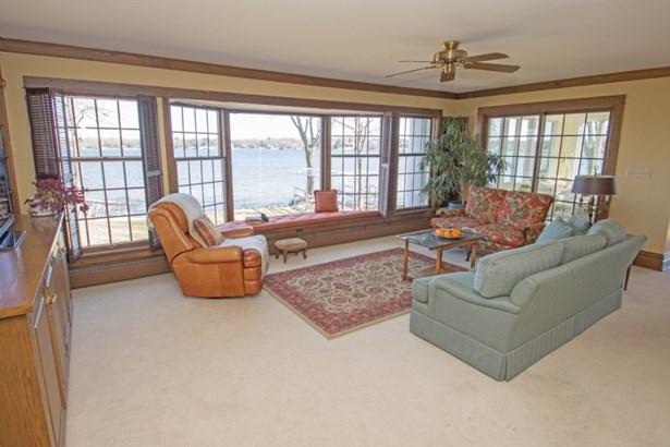 Family Room Lake Views (photo 5)