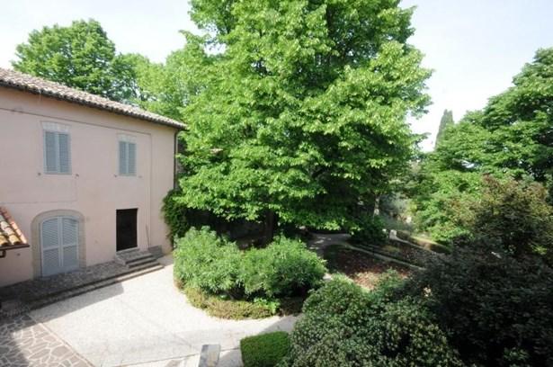 Perugia - ITA (photo 3)