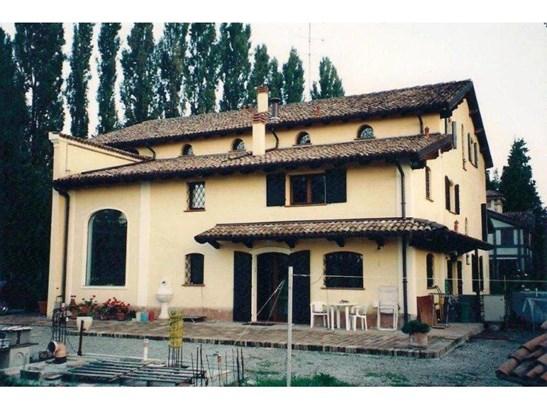 Modena - ITA (photo 2)