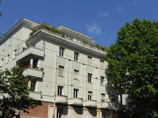 Rome - ITA (photo 2)