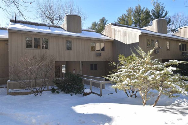 Condo, Contemporary,Inside Row,Multi-Level,Townhouse - Conway, NH (photo 1)