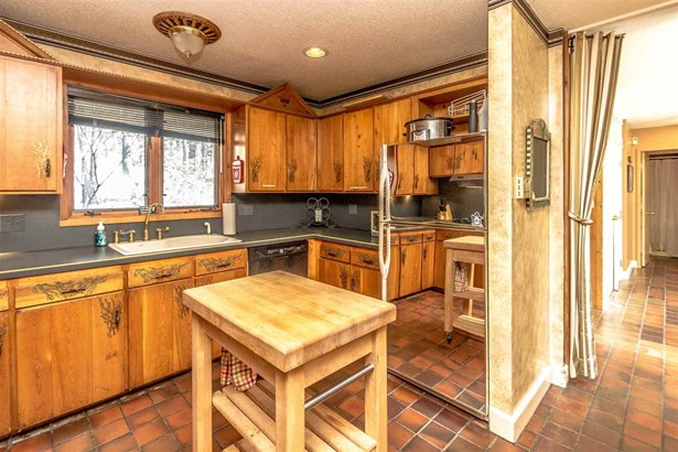 Condo, Contemporary,Inside Row,Multi-Level,Townhouse - Conway, NH (photo 3)