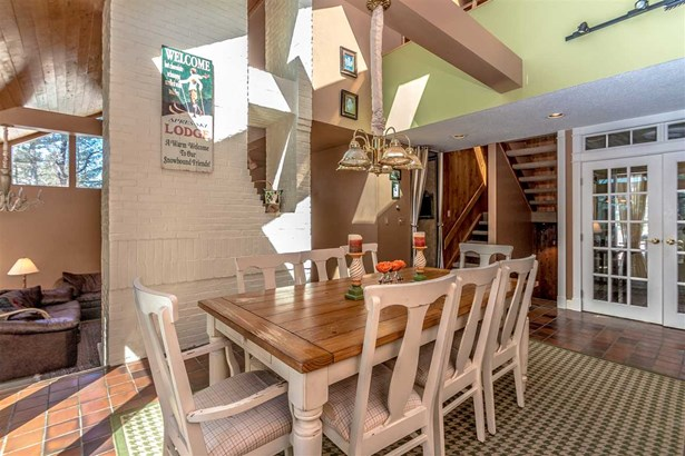 Condo, Contemporary,Inside Row,Multi-Level,Townhouse - Conway, NH (photo 5)