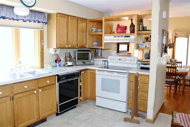 Condo, End Unit,Townhouse,Walkout Lower Level - Berlin, NH (photo 3)