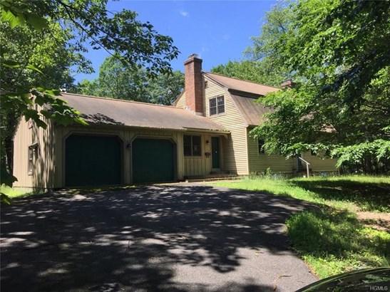 Colonial, Single Family - Pine Bush, NY (photo 1)