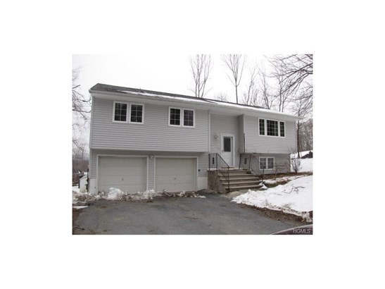 Bilevel, Single Family - Monroe, NY (photo 1)
