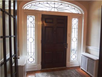 Lead glass entrance (photo 3)