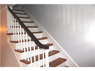 Custom oak turned staircase (photo 4)