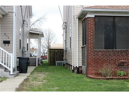 611 State, Belleville, IL - USA (photo 2)