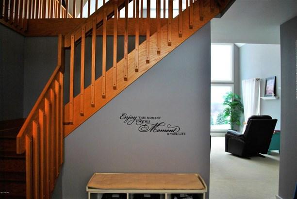 Single Family Residence, Contemporary - Ludington, MI (photo 5)