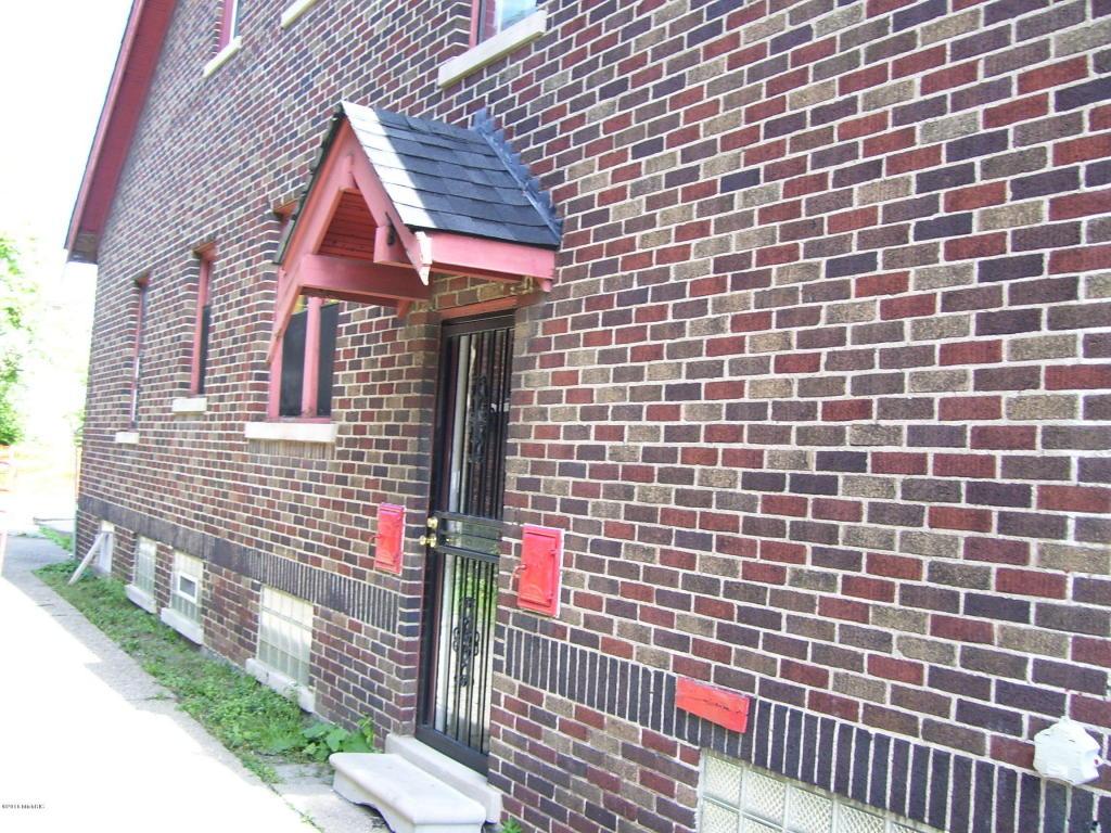 Tudor, Single Family Residence - Detroit, MI (photo 4)