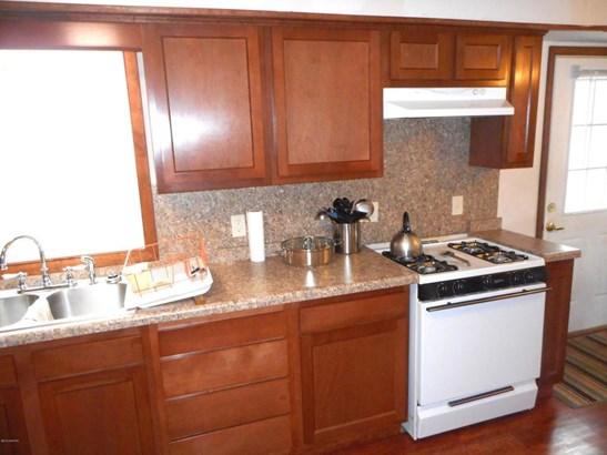 Tri-Level, Single Family Residence - Scottville, MI (photo 1)