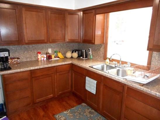 Tri-Level, Single Family Residence - Scottville, MI (photo 2)