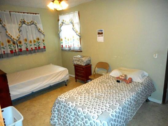 Tri-Level, Single Family Residence - Scottville, MI (photo 5)