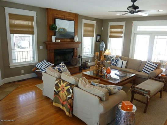 Cabin/Cottage, Single Family Residence - South Haven, MI (photo 2)