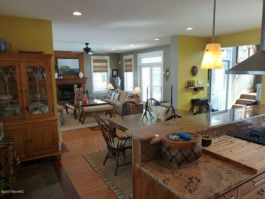 Cabin/Cottage, Single Family Residence - South Haven, MI (photo 4)