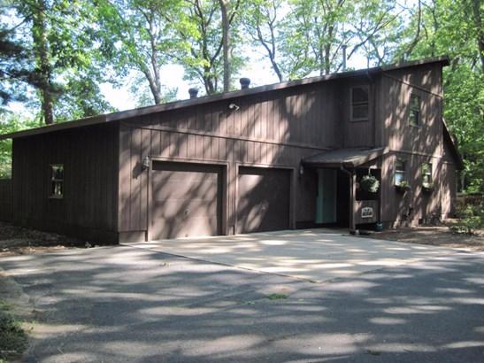 Single Family Residence, Contemporary - Montague, MI (photo 3)