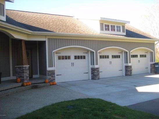Single Family Residence, Ranch - Cedar Springs, MI (photo 4)