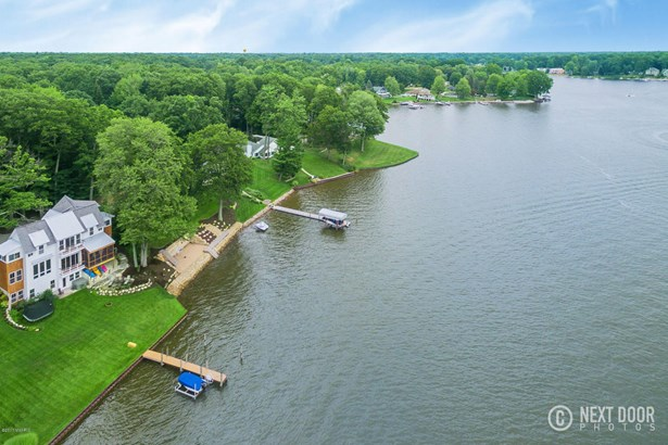 Single Family Residence, Traditional - Spring Lake, MI (photo 5)