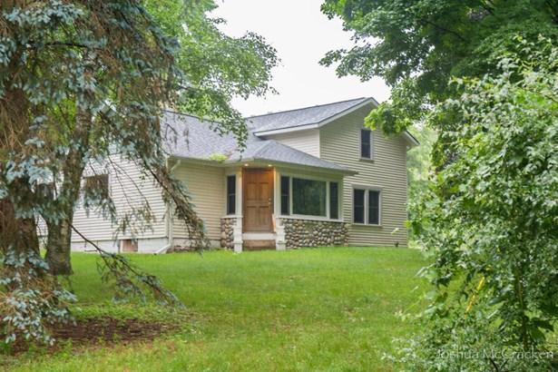 Farm House, Single Family Residence - Ada, MI (photo 1)