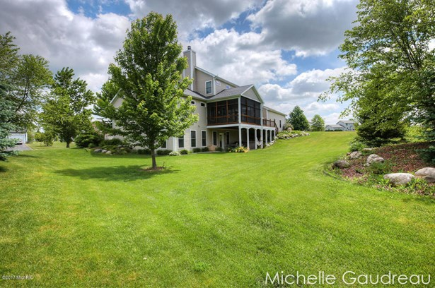 Single Family Residence, Traditional - Caledonia, MI (photo 4)