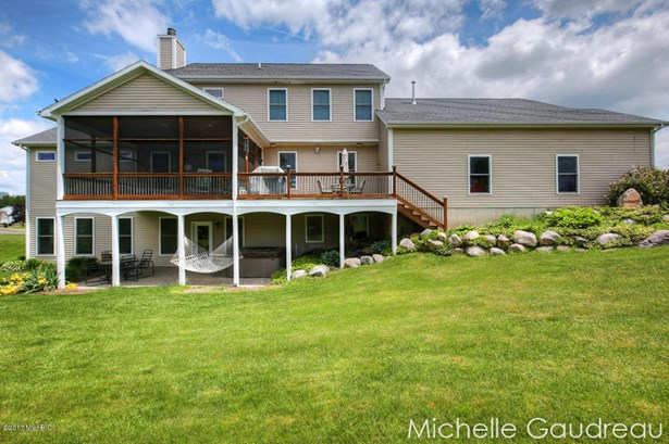 Single Family Residence, Traditional - Caledonia, MI (photo 5)