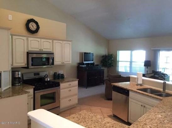 Single Family Residence, Ranch - Ludington, MI (photo 3)