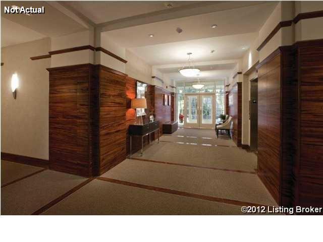 Condominium, Ranch - Louisville, KY (photo 4)