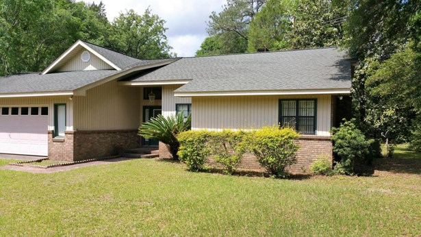 Detached Single Family, Traditional - Blountstown, FL (photo 1)