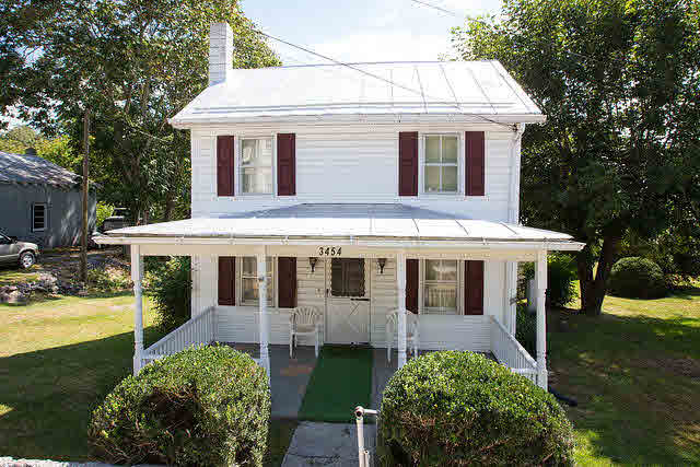 Farm House, Detached - TOMS BROOK, VA (photo 1)