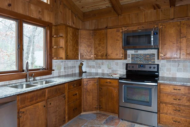 Chalet, Detached - MCGAHEYSVILLE, VA (photo 5)
