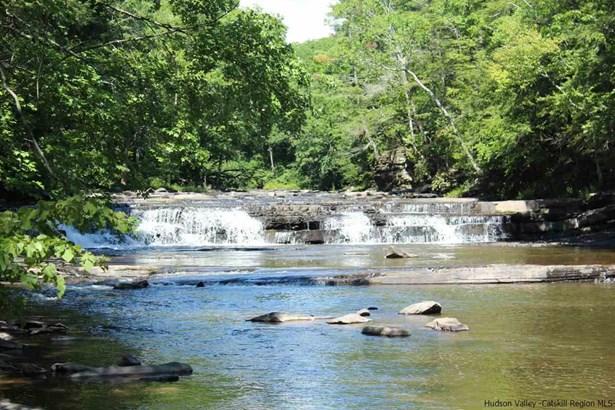 Two Story, 1Family+Access Apt - Catskill, NY (photo 2)