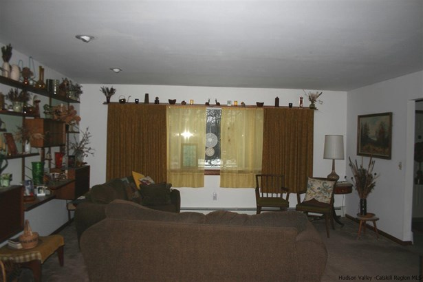 Ranch, Single Family - Accord, NY (photo 4)