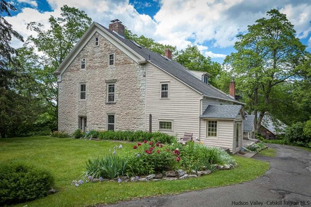 Colonial, Single Family - Kingston, NY (photo 3)