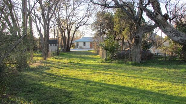 201 S Pine Street, Roanoke, TX - USA (photo 2)