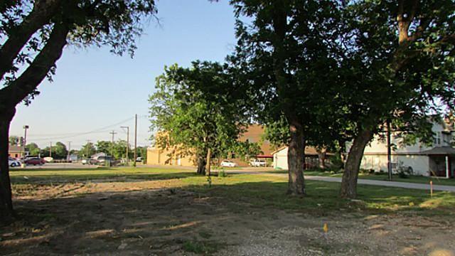 207 Main Street, Roanoke, TX - USA (photo 2)