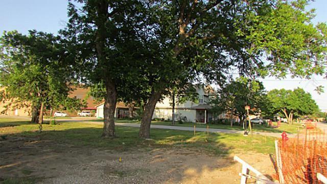 207 Main Street, Roanoke, TX - USA (photo 3)