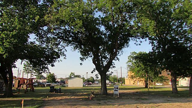 207 Main Street, Roanoke, TX - USA (photo 4)