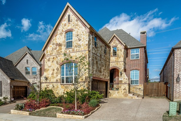 950 The Lakes Boulevard, Lewisville, TX - USA (photo 2)