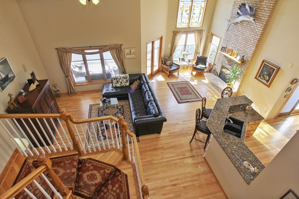 Expansive Great Room concept (photo 2)