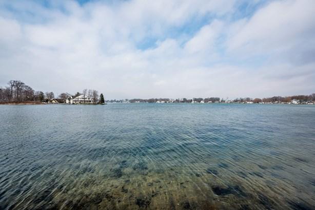 View of Diamond Lake (photo 4)