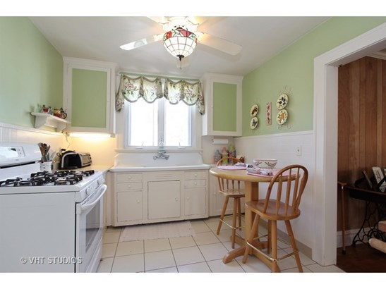 Upstairs Kitchen (photo 4)