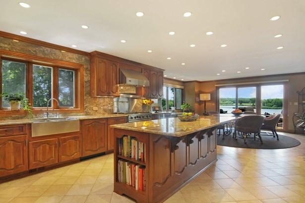 Kitchen/Breakfast Room - 2nd View (photo 4)
