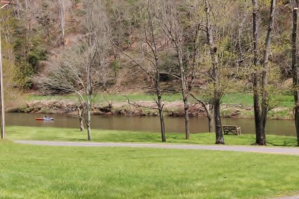 627 Silas Creek Road, Lansing, NC - USA (photo 2)