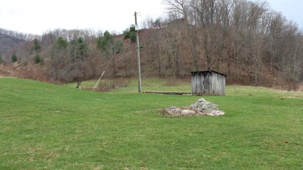179 Old Helton School Rd, Lansing, NC - USA (photo 4)