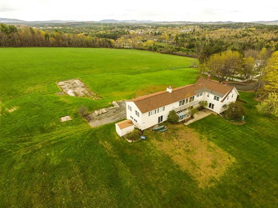 Farmhouse,New Englander, Single Family - Jaffrey, NH (photo 2)